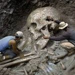 Interesting Facts: 18 Feet Giant Skeletons Discovered 2015